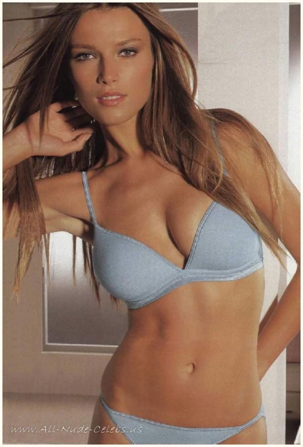 younger bikini pusy galeri