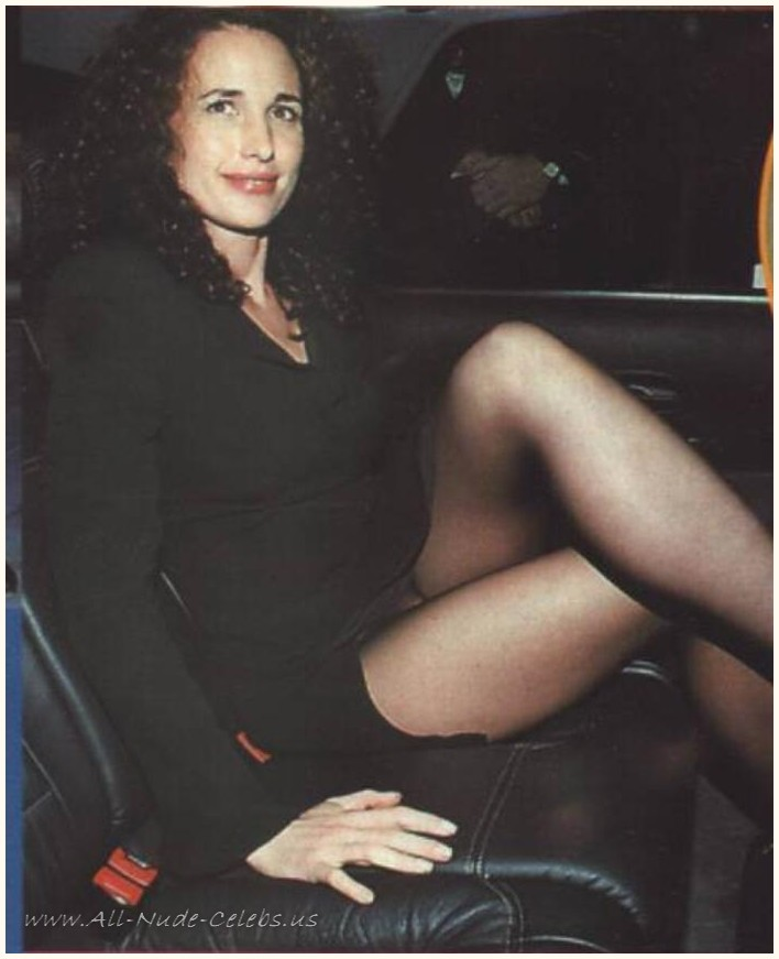 Andie MacDowell Nude Pictures. 708x871