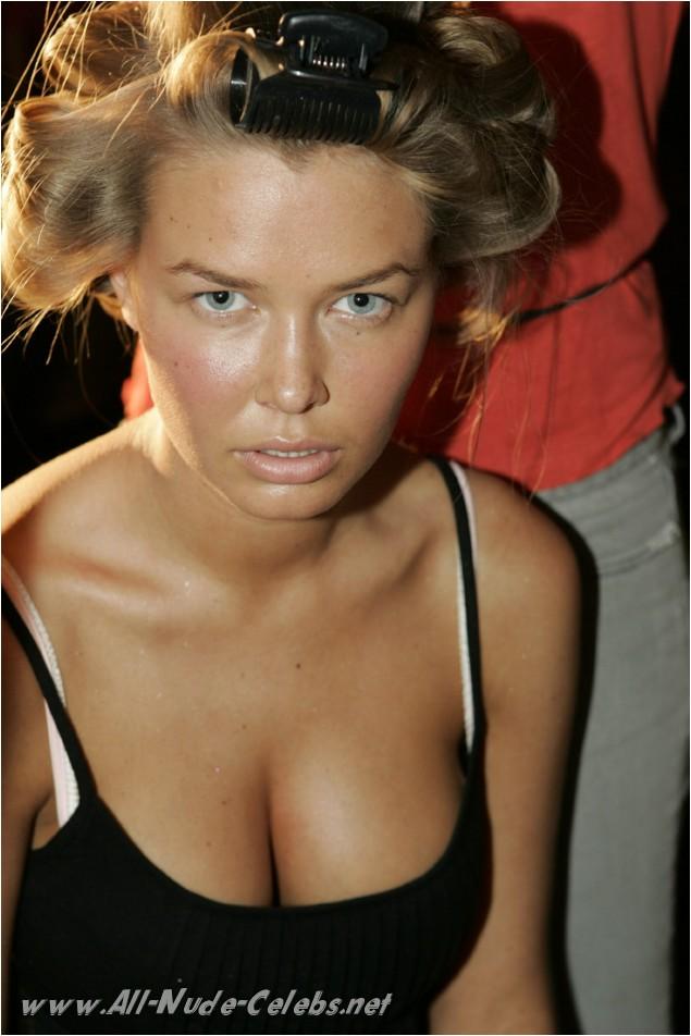 pics of women sucking small dicks naked
