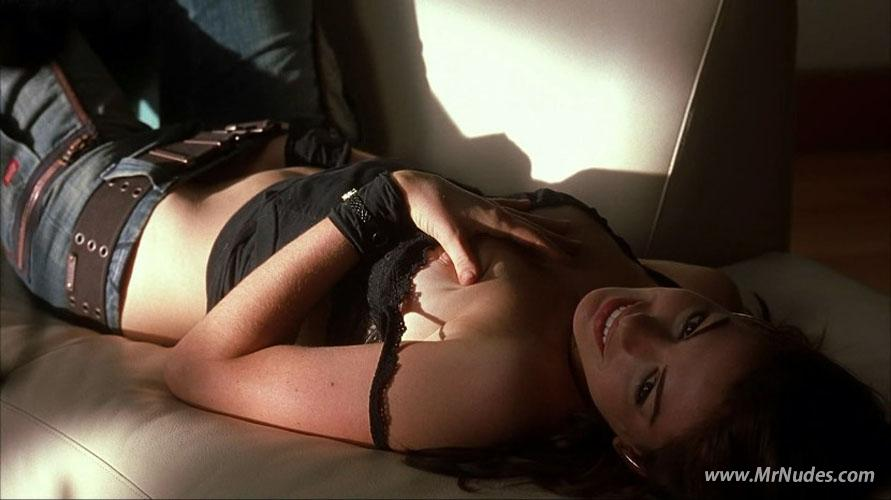 Anne hathaway sex in a car topless brokeback mountain 2005 2