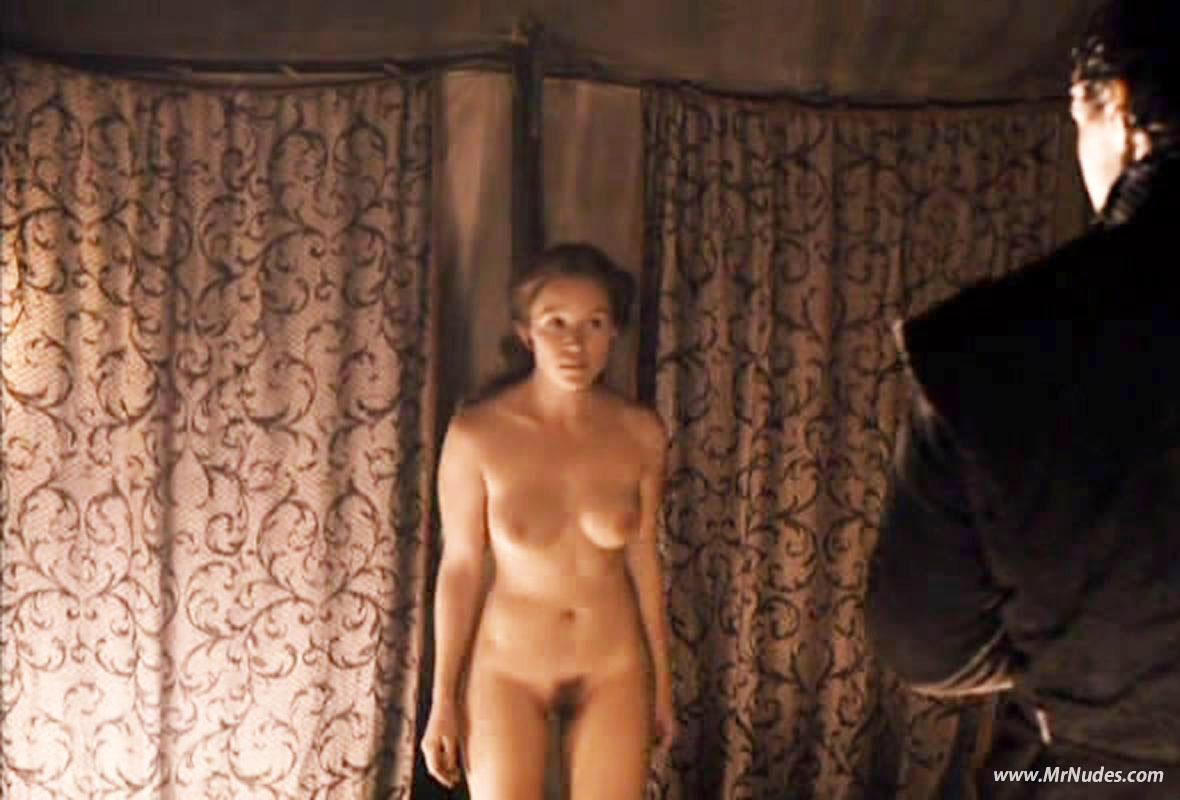 Can Chloe grace nude naked really
