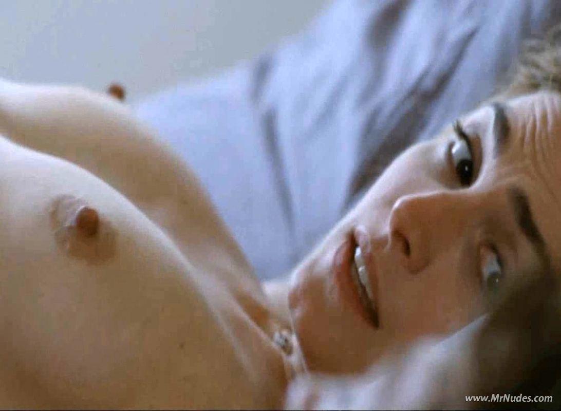 Gayet  nackt Julie Nude video