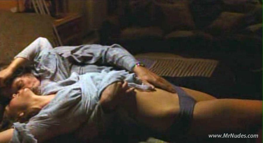 nude celeb pics maggie gyllenhaal nude pics maggie gyllenhaal naked ...
