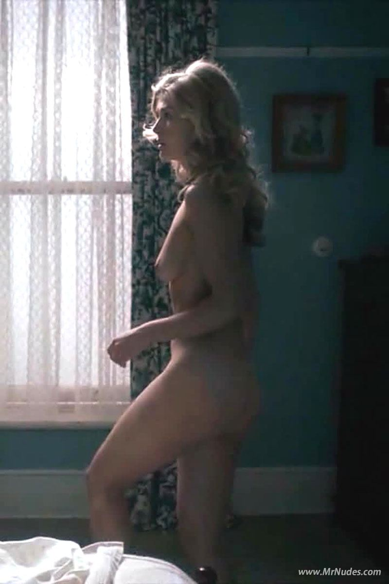 Rosamund Pike Naked Photos
